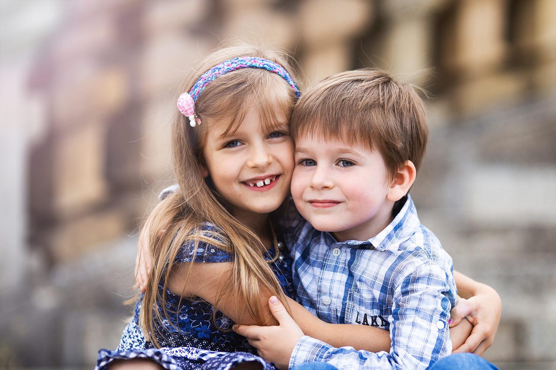 Schwester und Bruder Kinder Gießen
